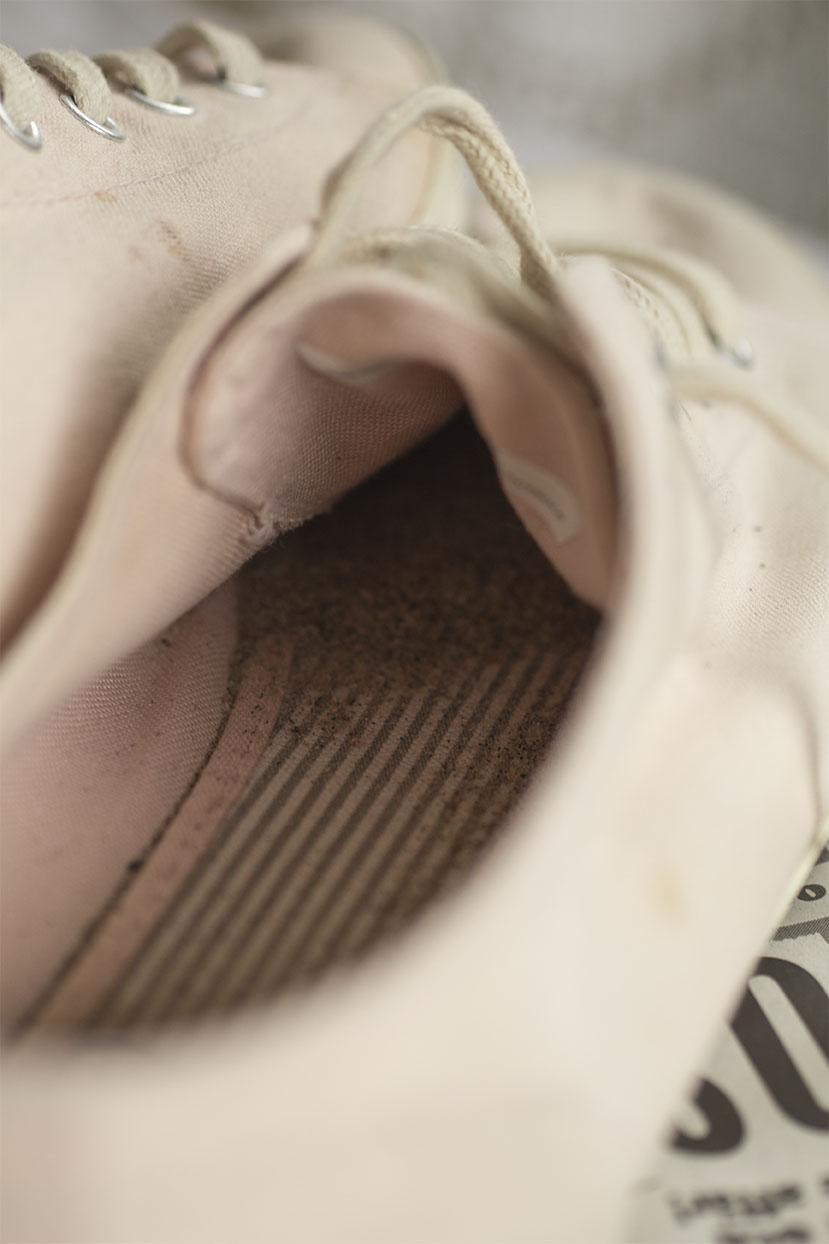 Sand i skorna.  under sulan.  och mellan tårna!...